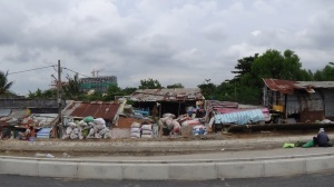 Xóm rác ở Sở Thùng