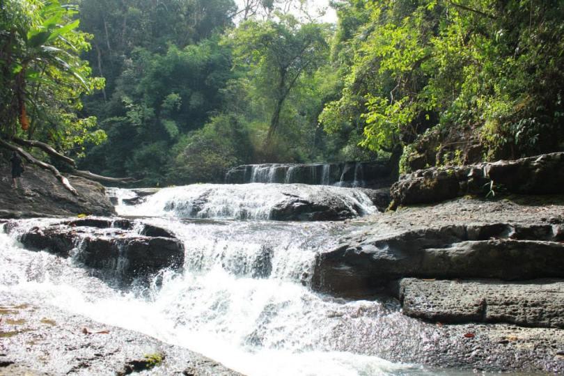 Chính em, thác Đak Bô, vì em mà phải lội bộ 7km treck đường rừng lẫn suối, ngủ đêm trong rừng.