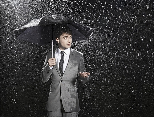 daniel-radcliffe-harry-potter-rain-umbrella-Favim.com-246607