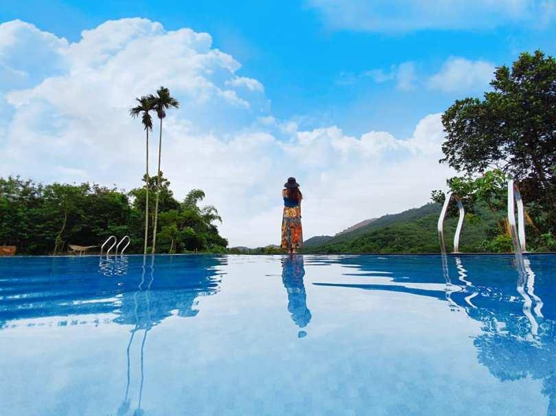 Bể bơi vô cực ở Orchard home Nam Cát Tiên
